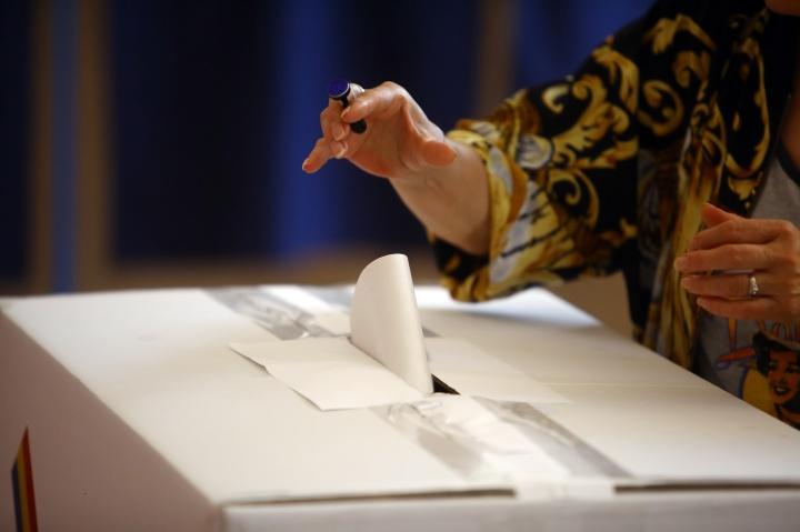 image_capa21_voting_box.jpeg